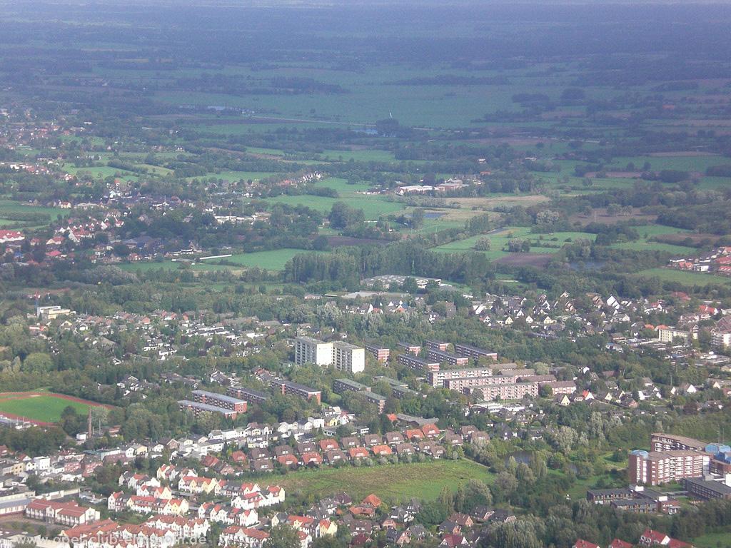 Hubschrauberrundflug 2006 - 20061007_125831 - Hier wohnt Thomas irgendwo