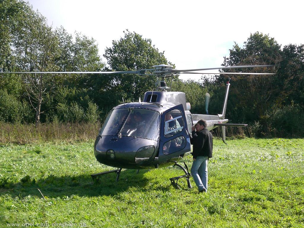 Hubschrauberrundflug 2006 - 20061007_130337 - Unser Transportmittel