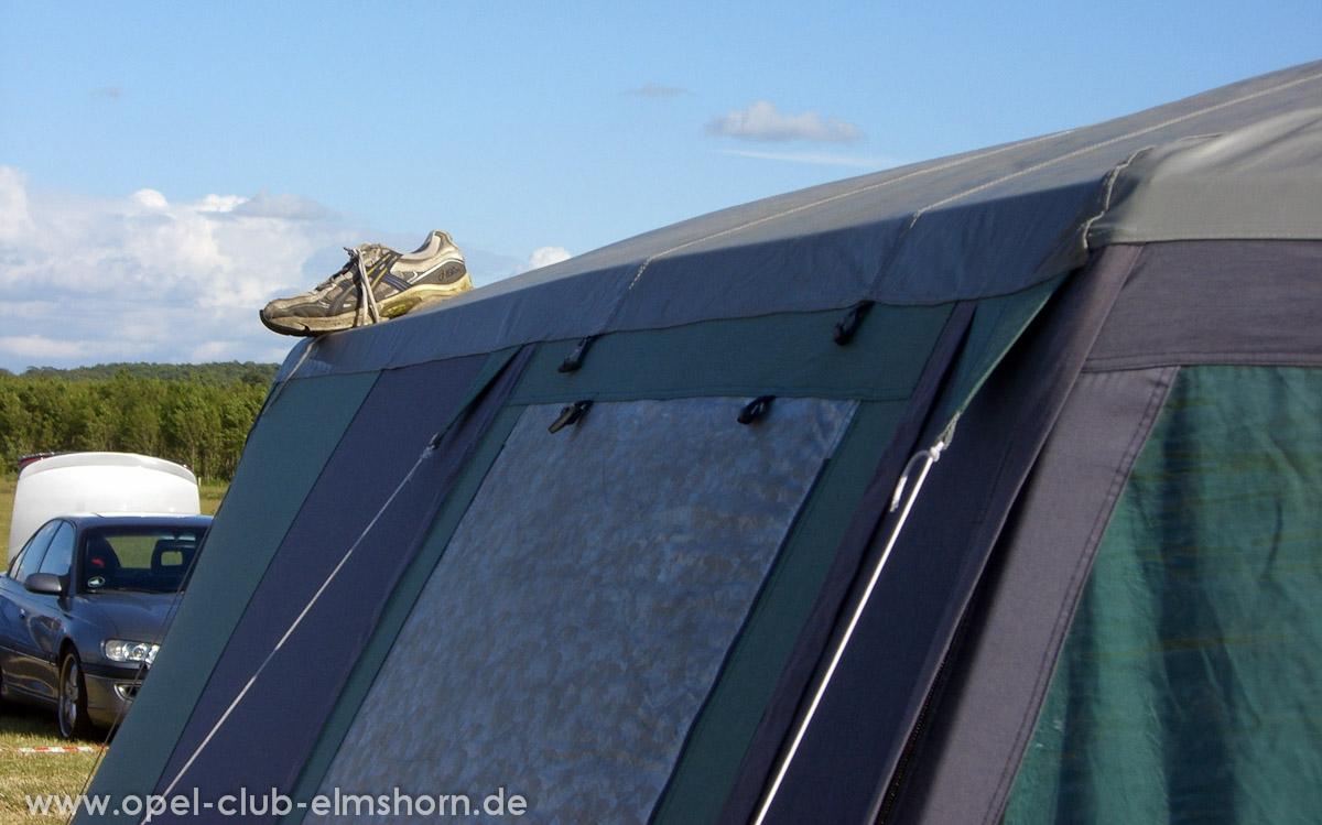 Gelsted-2008-0009-Schuh-auf-Zelt