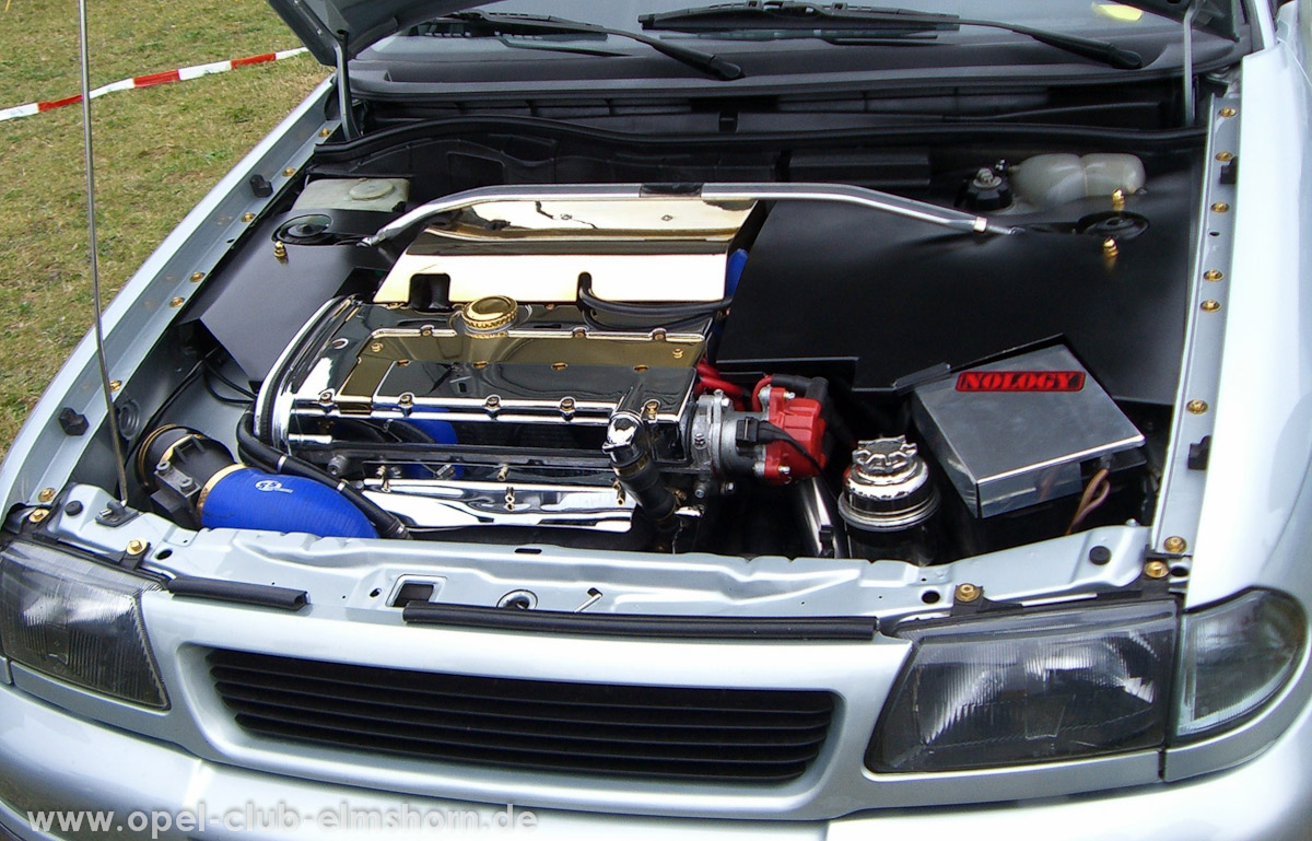 Gelsted-2008-0037-Motorraum-Astra-F