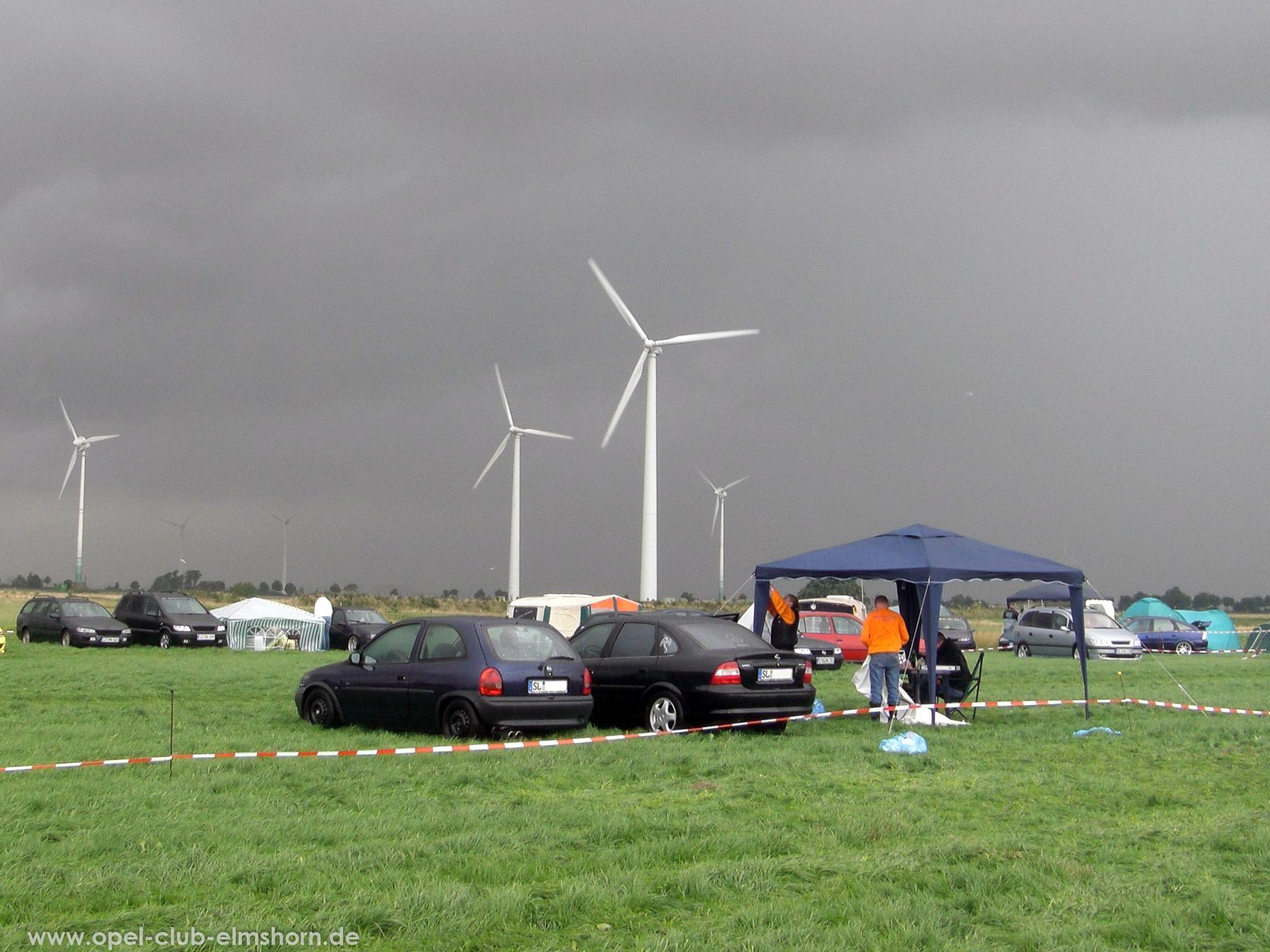 Opeltreffen Brunsbüttel Funmakers 2008 - 20080719_135653 - Ein Gewitter zieht auf