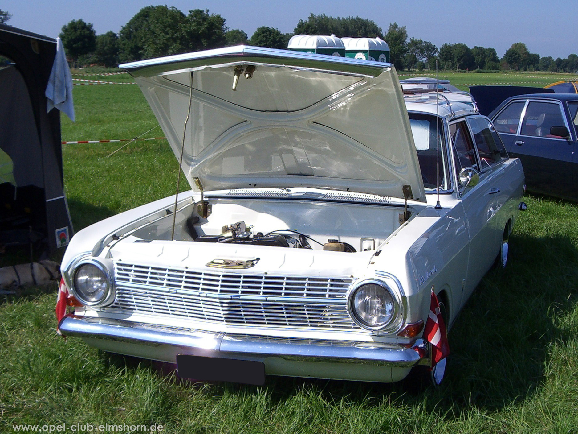 Opeltreffen Brunsbüttel Opelfreunde 2008 - 20080704_164039 - Rekord A Caravan