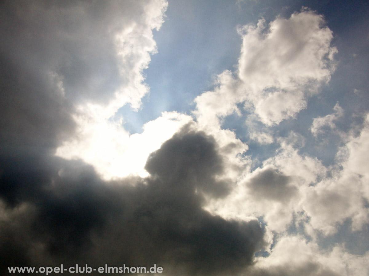 Brunsbuettel-2010-0019-Wolken-Wer-hat-Wolken-bestellt-