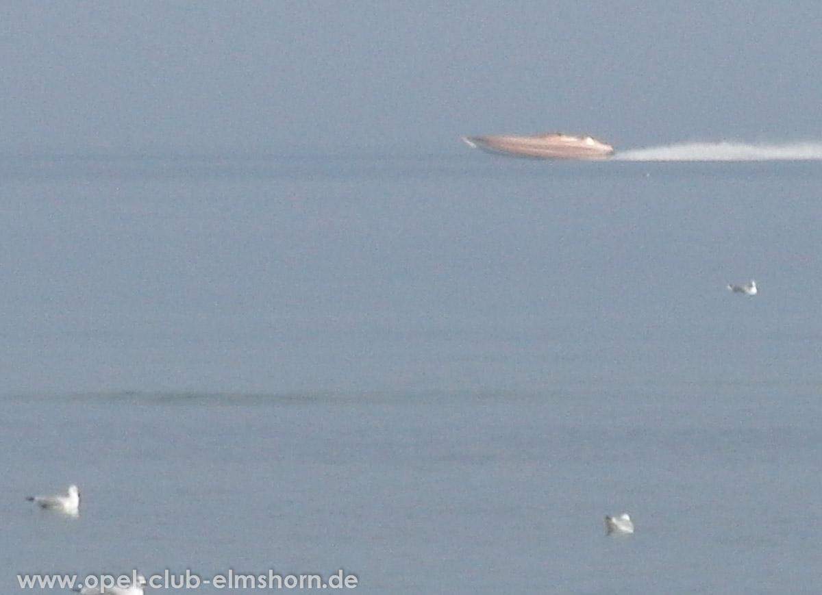 Boltenhagen-2011-0212-Powerboot-gibt-alles.-Geiler-Sound