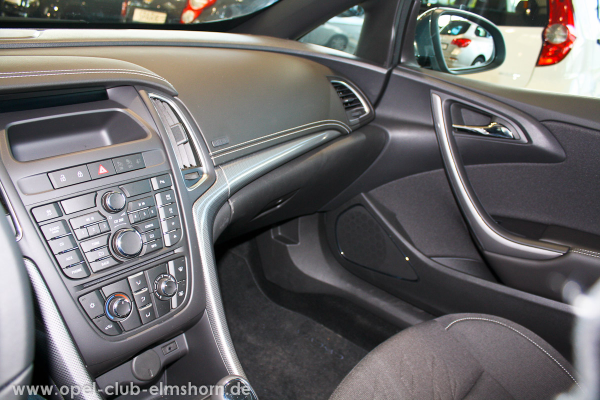 0017-Opel-Cascada-Cockpit