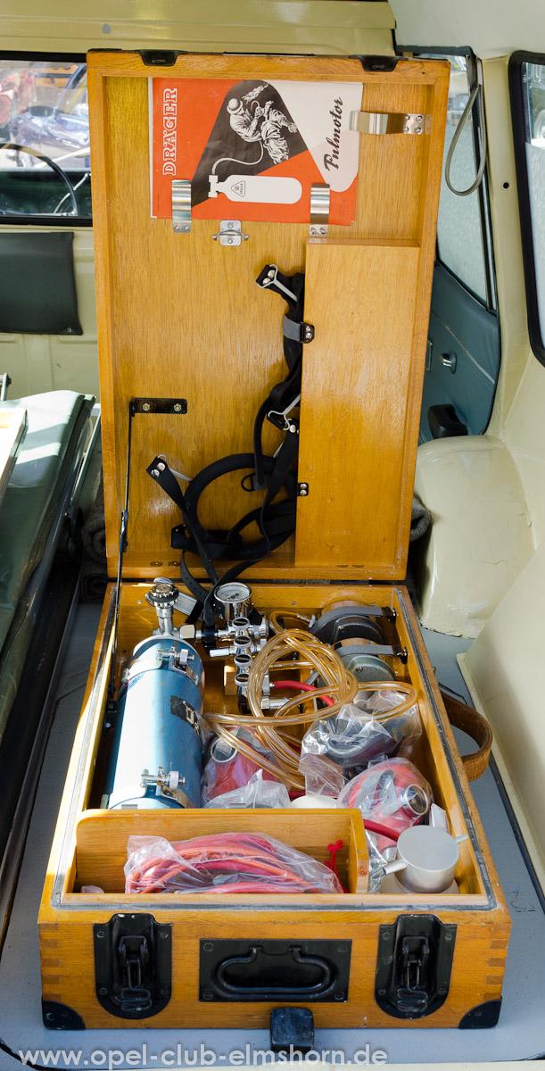 Wedel-2013-0057-Opel-Rekord-C-Krankenwagen-DRK