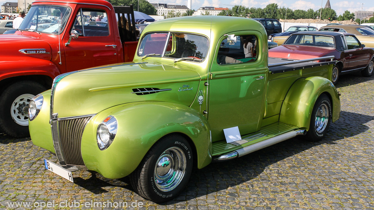 Street-Mag-Show-Hamburg-2014-0117-Ford-Pickup