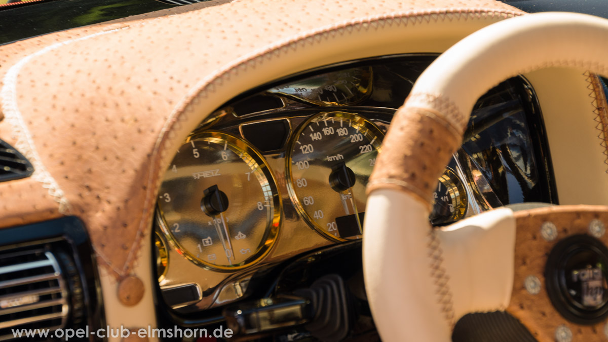 Zeven-2014-0130-Opel-Astra-G-Innenraum