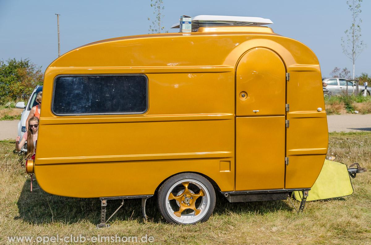 Boltenhagen-2014-0072-Wohnwagen-in-Wagenfarbe