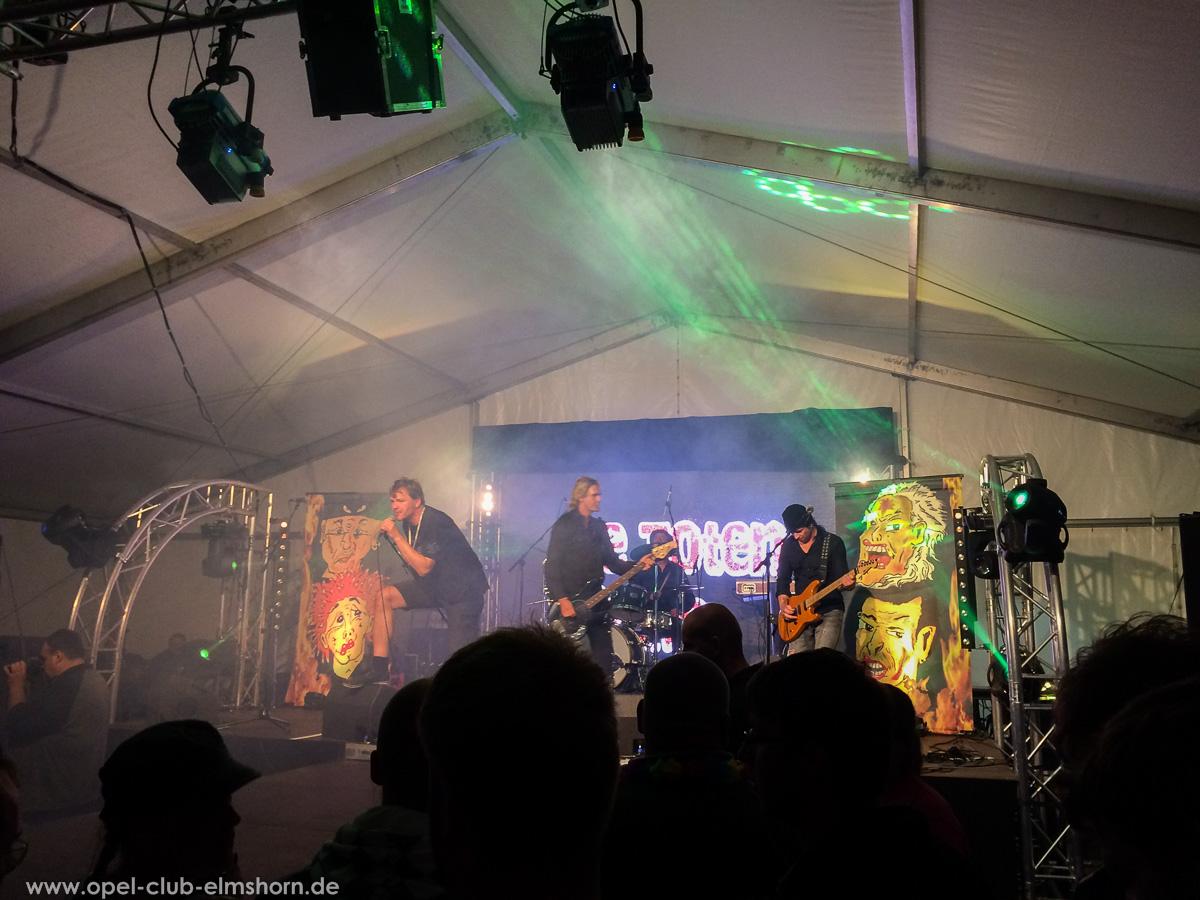 Boltenhagen-2015-0249-Die-Toten-aerzte-Konzert-im-Festzelt