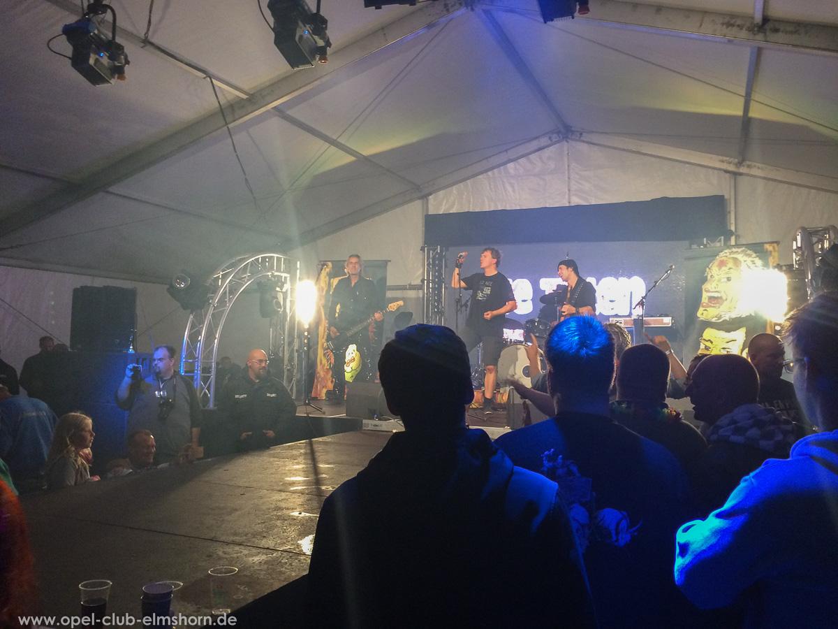Boltenhagen-2015-0263-Die-Toten-aerzte-Konzert-im-Festzelt