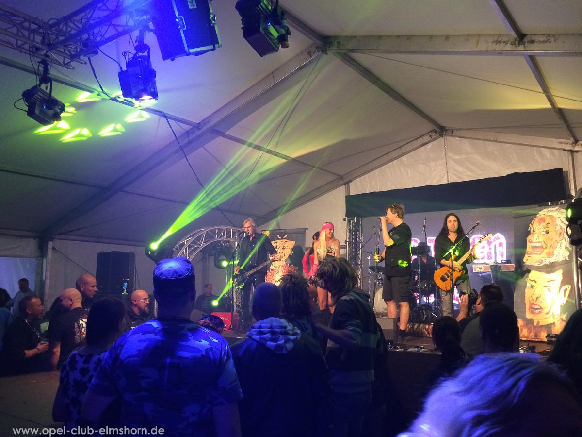 Boltenhagen-2015-0269-Die-Toten-aerzte-Konzert-im-Festzelt
