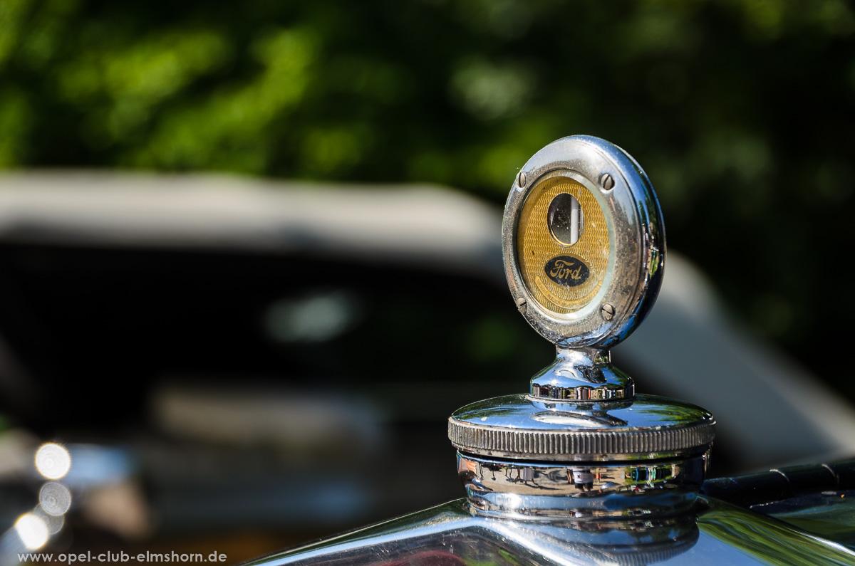Oldtimertreffen-Rosengarten-Ehestorf-2016-20160605_104631-Ford-Markenzeichen