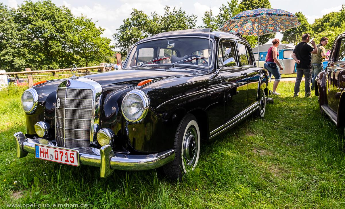 Oldtimertreffen-Rosengarten-Ehestorf-2016-20160605_134630-Mercedes-Benz-220S