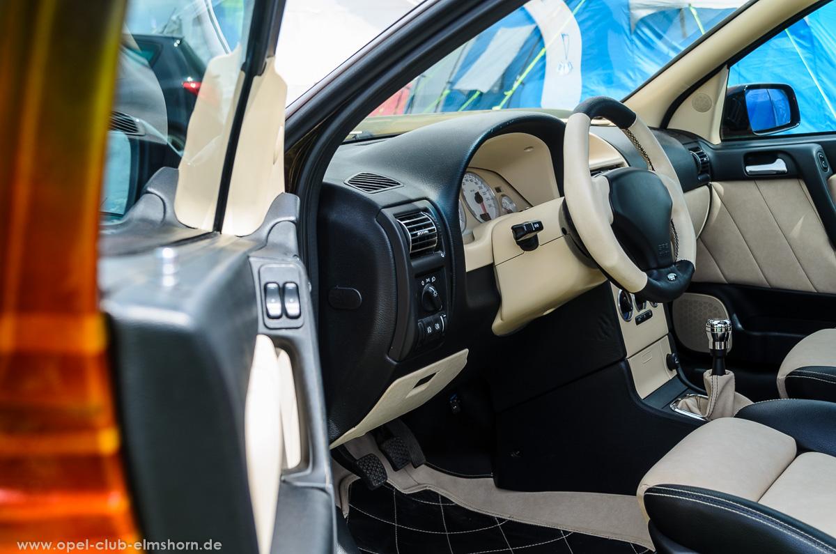 Opeltreffen-Wahlstedt-2016-20160702_141333-Opel-Astra-G-Caravan-Innenraum