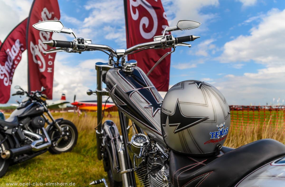Wings-Wheels-2016-20160730_134828-Tank-und-Helm