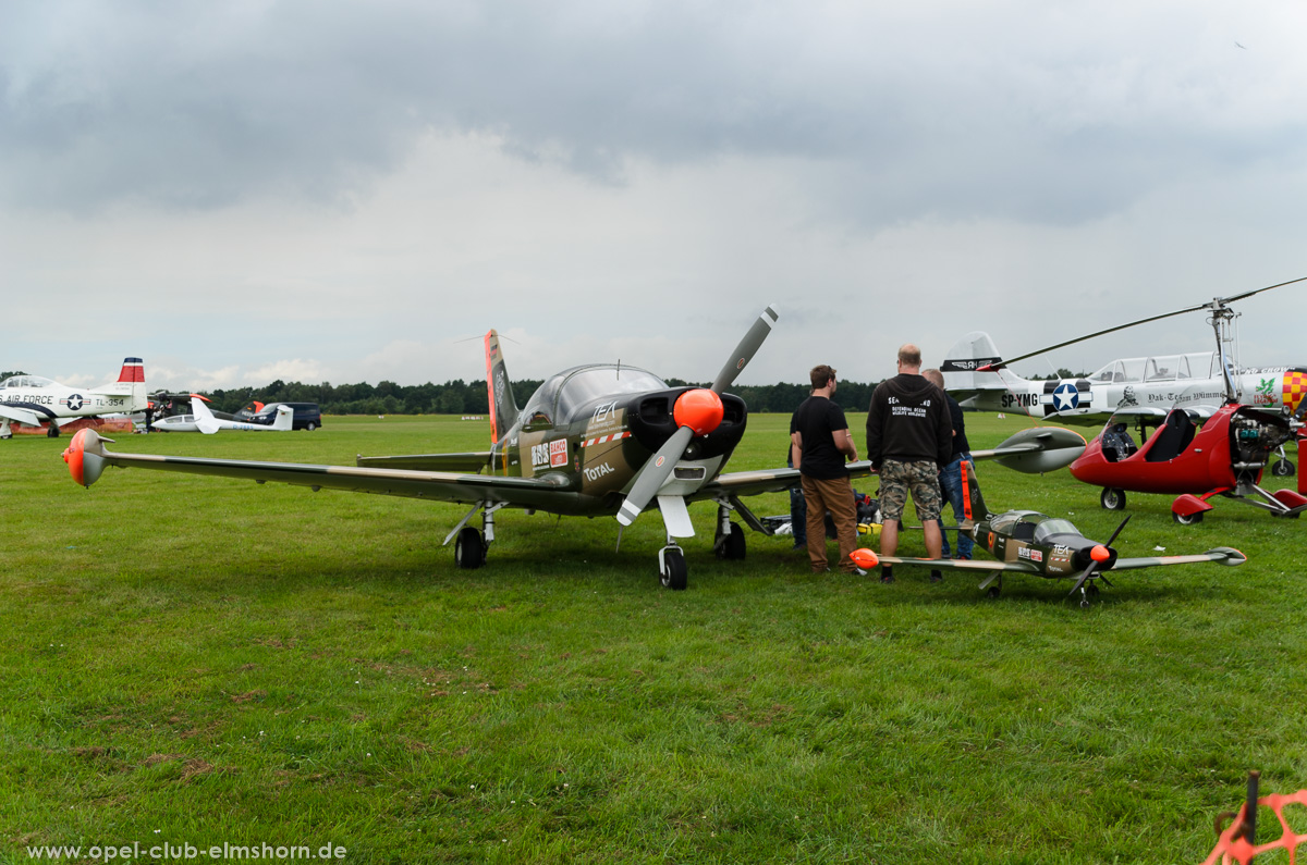 Wings-Wheels-2016-20160730_135348-SIAI-Marchetti-SF260