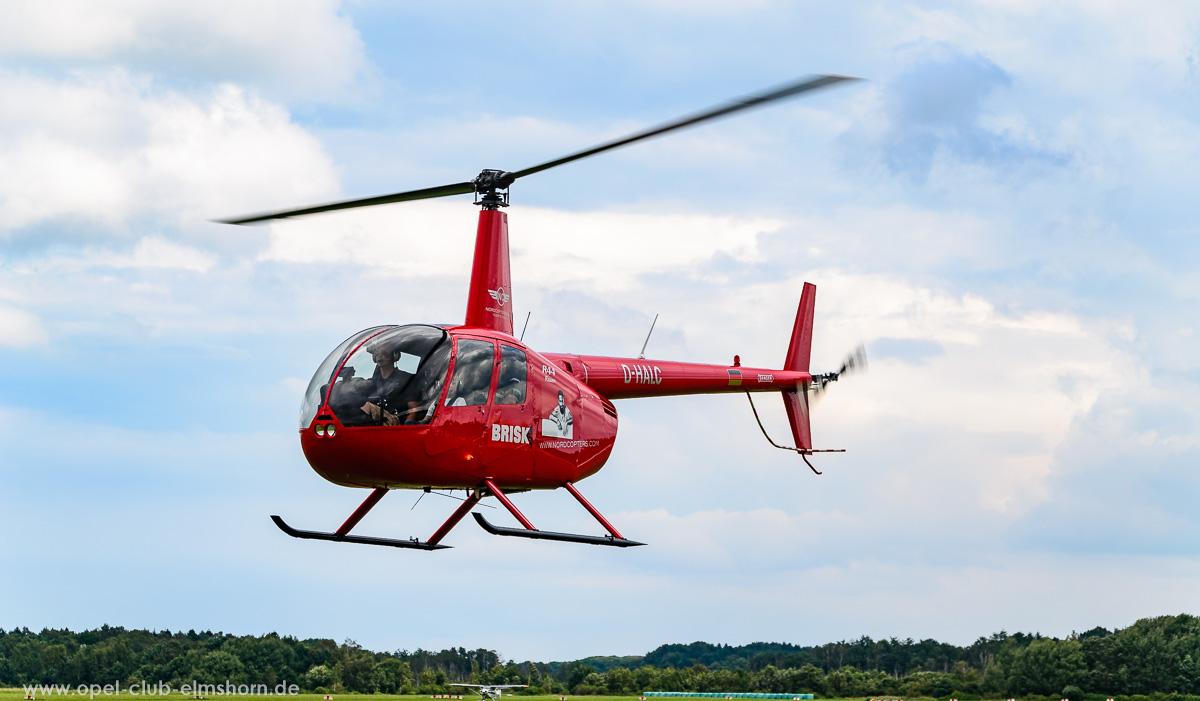 Wings-Wheels-2016-20160730_135650-Hubschrauber-Robinson-R44