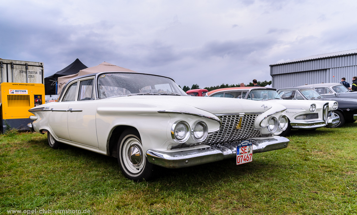 Wings-Wheels-2016-20160730_142558-Plymouth-Belvedere