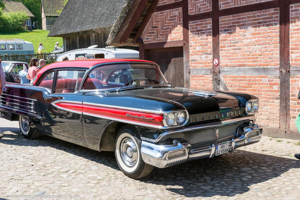 Oldtimertreffen-Rosengarten-2017-20170514_120228-Oldsmobile-Dynamic-88-Coupé