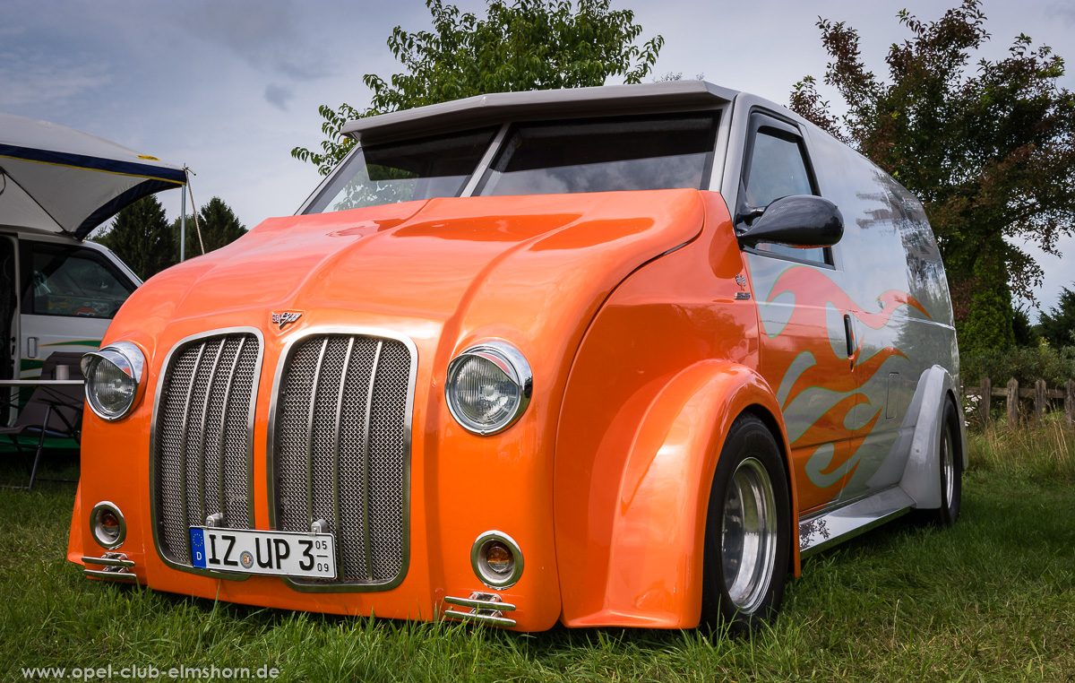 Wings-Wheels-2017-20170730_111041-Custom-Van