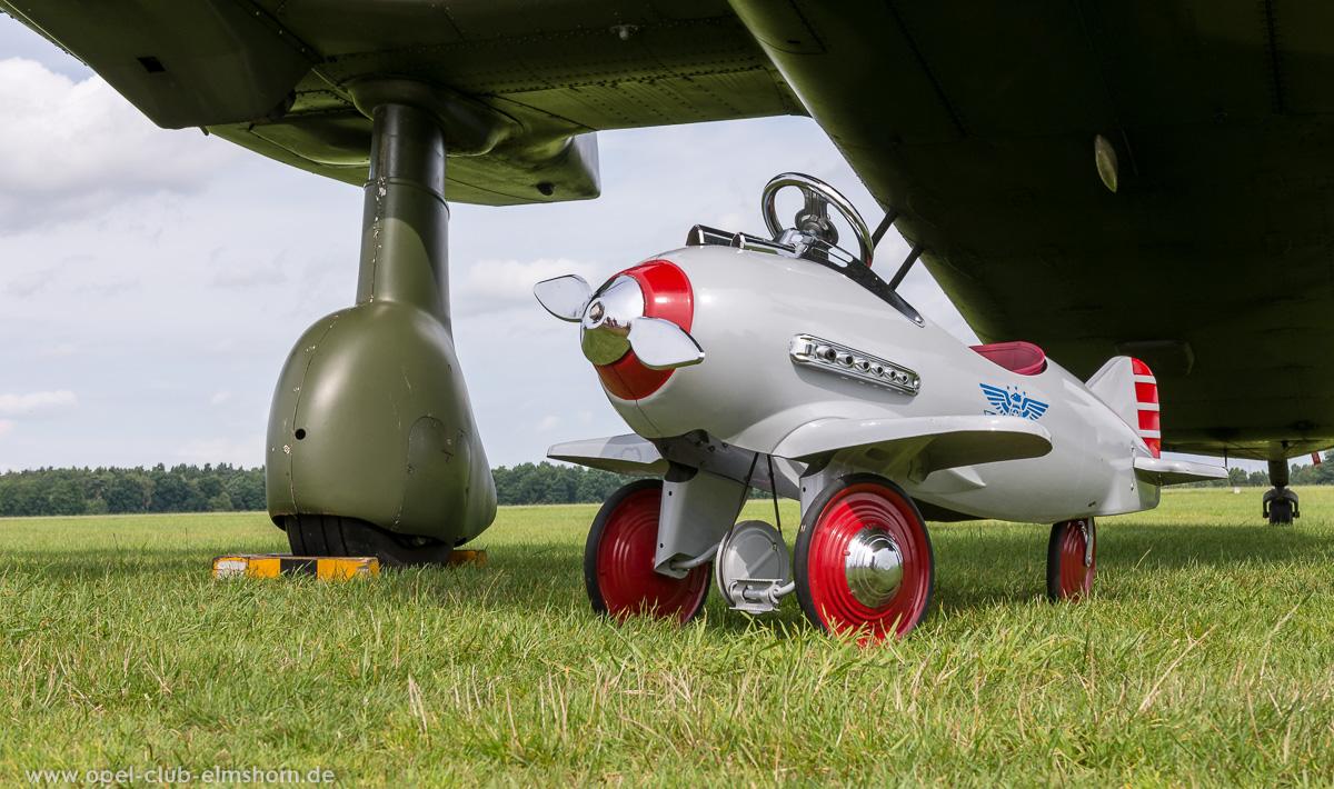 Wings-Wheels-2017-20170730_115320-Tretflugzeug