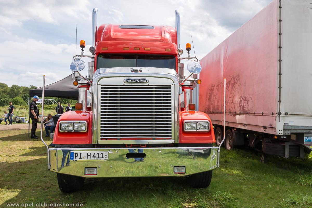 Wings-Wheels-2017-20170730_140257-Freightliner-Truck