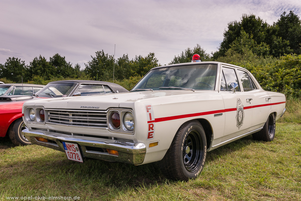 Wings-Wheels-2017-20170730_153634-Plymouth-Belvedere