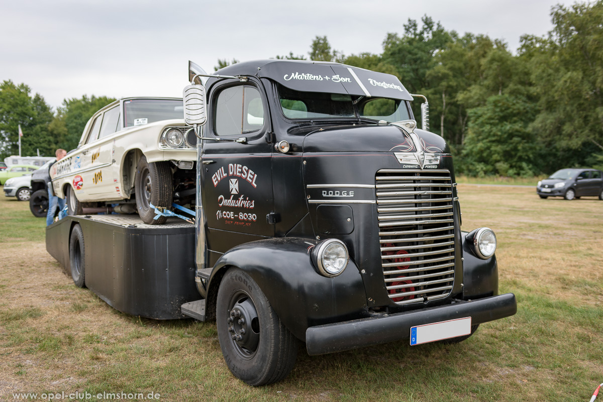 Wings-and-Wheels-2018-20180812_135023-Dodge-COE